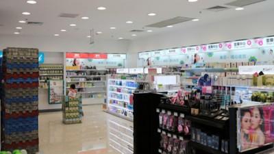 在中国此次公布的未予准入化妆品名单中,韩国化妆品的占比最高,引发业界忧虑。(资料图片)