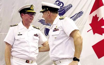 诺曼(左)被解职,其职务由劳埃德(右)暂代。
