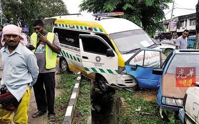 一辆救护车送2名车祸伤者往医院途中又发生车祸,所幸并未加剧其伤势,并由另一辆救护车送往医院。