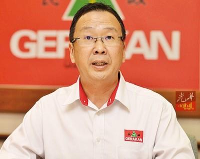 刘华才:民政和巫统将会晤董总,探讨承认独中统考文凭课题。
