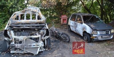 李先生眼睁睁看着3部爱车和摩托车被烧成废铁,直言心痛。