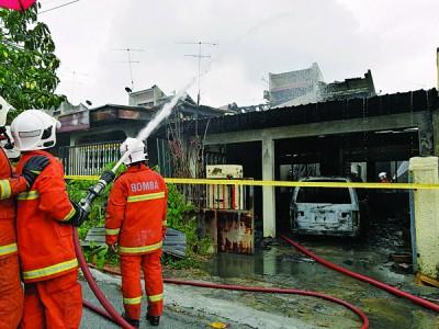 居銮消拯局成功在30分钟内控制灾情,避免火势进一步扩大。