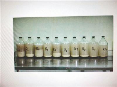 有患者洗肺后的回,即使与牛奶颜色一样。
