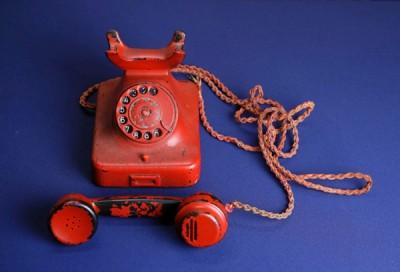 希特勒杀人无数之电话机。