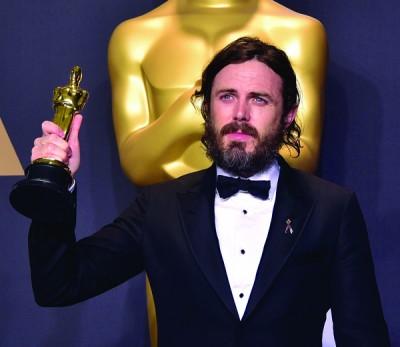 最佳男主角:Casey Affleck 凯西艾佛力以《海边的曼彻斯特》登基成为奥斯卡影帝。