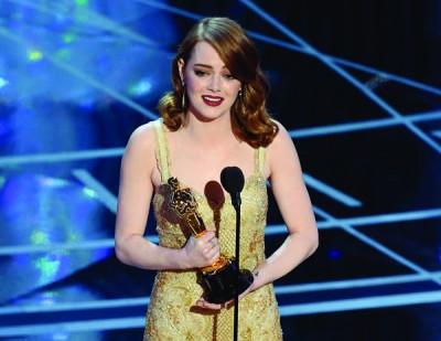 最佳女主角:Emma Stone 爱玛史东以《乐来越爱你》击败强劲对手,成为新科影后。