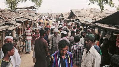 成百上千罗兴亚人为逃避战火,逃到孟加拉。