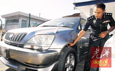 莫哈末罗兹:嫌犯把偷到的车停在特定地点,然后将车锁匙藏在车轮上,再由另一名党匪接手把车驾走。
