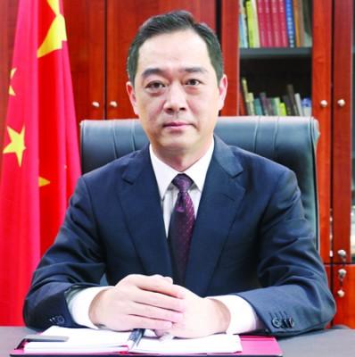 大会颁奖主宾:中国驻槟城总领事吴骏