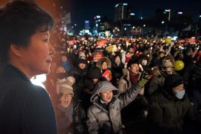 首尔民众周六晚再次参与倒朴示威。(法新社照片)