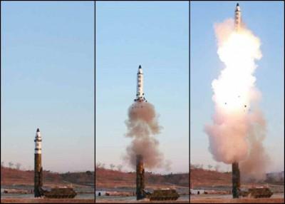 导弹发射一刻。
