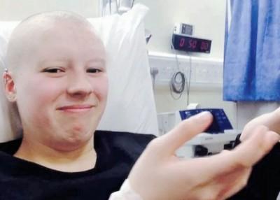 斯图尔特怀疑削发扮成末期癌症病人。