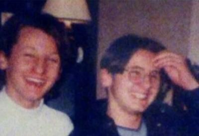 阿莉莎(左)与弟弟(右)曾是双胞胎兄弟。