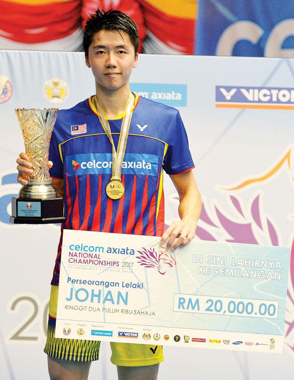 林志咏轻松打败米斯文蓝丹,蝉联男单冠军。