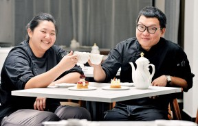 Carine和Jeffrey在甜点界历练多年,手艺细致的他们坚持严选好食材,让客人吃得幸福又安心。