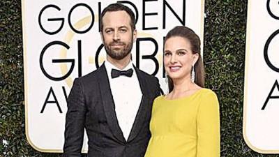 娜塔莉波曼前挺孕肚出席金球奖,既顺利产下女儿。