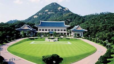 """朴槿惠吃罢免下台,易学家当韩国总统府""""青瓦台""""煞气很重。"""