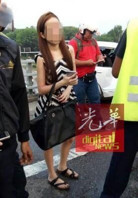 华人少女司机。
