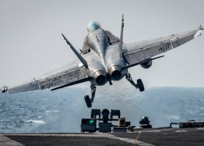 卡尔文森号航母的战机参加美韩联合军演。