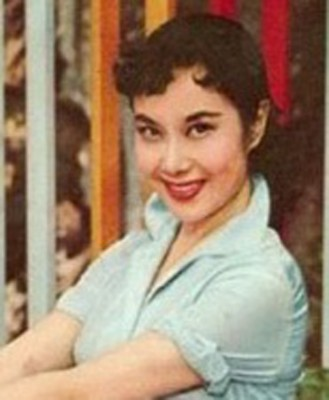 李丽华年轻时亮丽动人。