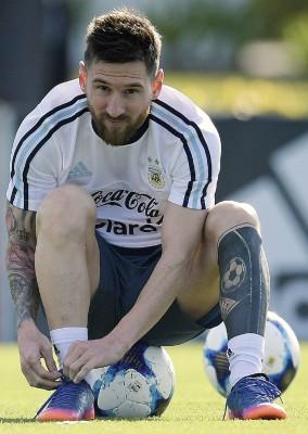 由梅西当对立智利的较量中关系侮辱裁判,外有可能招致追加停赛的处分。