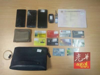 警署没收嫌犯的美轮美奂小汽车和自获的提款卡及手机。