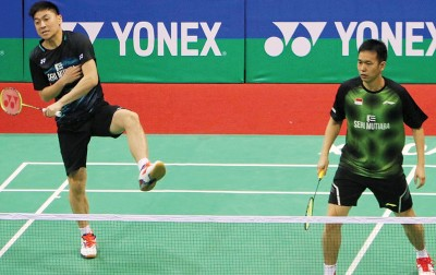 吴蔚昇/陈蔚强将与陈文宏(左)/亨德拉(右)在印度公开赛次圈碰头。