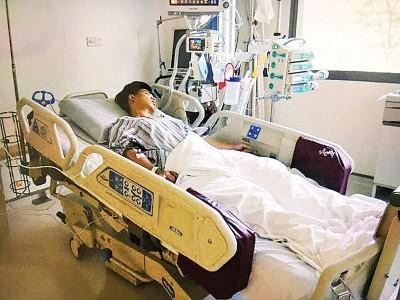 男胡帼宏脾脏出血,时刚以加护病房接受观察。