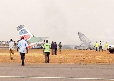 客机损毁情况严重。
