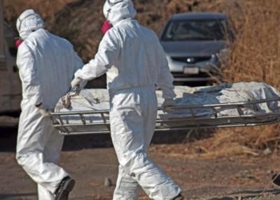 当局在隐藏坟墓内掘出多具尸体。