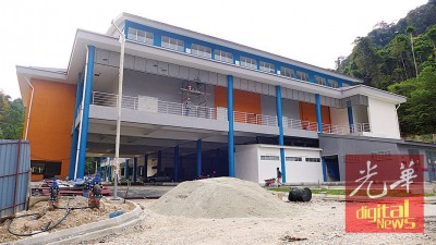 延误1年多的峇都丁宜综合巴刹料可在本月中完工交货。