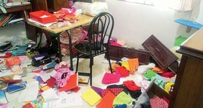 房间被窃匪搜得凌乱不堪。