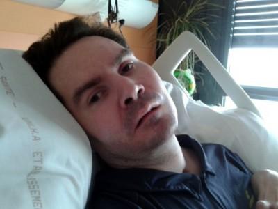 科恰瓦尔因单车意外令肩部以下瘫痪。