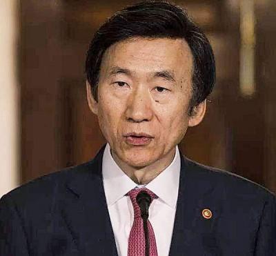 韩国外长尹炳世告朝鲜下VX神经毒剂杀死金正恩的兄长。