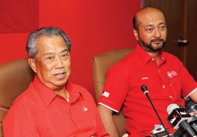 慕尤丁(左)确认一些党有意参选相同议席,不过要联会商讨避免出现议席重叠的状态。右为慕克里。