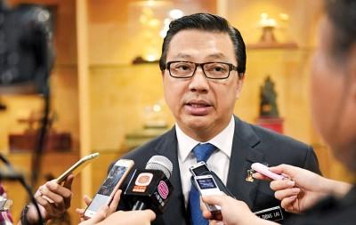 廖中莱强调马华坚持反对违宪的法令。