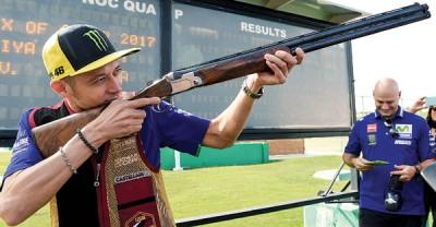 罗西在拉塞尔射击场进行射击。
