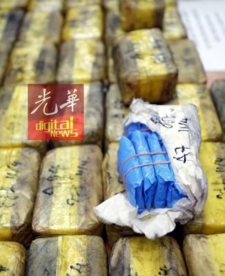 慕阿林警方侦破霹州近5年来最大宗马丸毒品案。