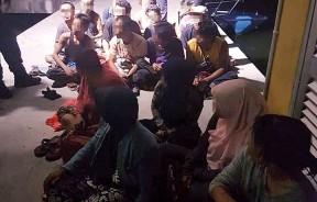 20名企图非法出境我国的印尼籍偷渡客被警员逮个正着。
