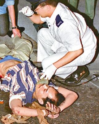 叶继欢是于1996年潜逃返港企图犯案时中枪而被拘捕。