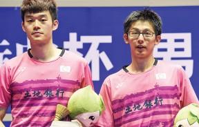 陈宏麟(右)/王齐麟在颁奖仪式上。