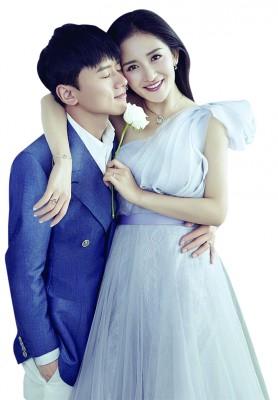 谢娜与张杰感情甜蜜,为中国演艺圈著名的银色情侣。