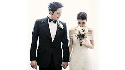 明星夫妇柳秀荣和朴河宣即将升级当爸妈。