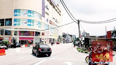 太平广场外施行单行路后,明显不再见到交通繁忙或阻塞。