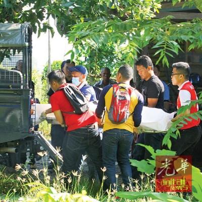 警方将尸体送往解剖。