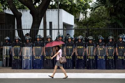 菲律宾当局部署逾4万警力负责东盟峰会的保安。(法新社照片)