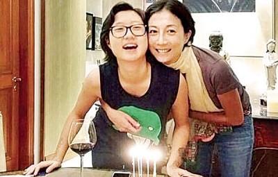 """吴绮莉(右)与""""小龙女""""吴卓林的关系待修补。"""