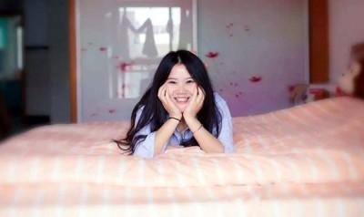 """小樱决定出租半张床找室友""""陪睡"""",除了省钱,也想找个人丰富自己的生活。"""