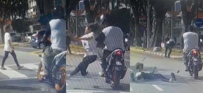 图为路人行车记录器拍摄到老妇在斑马线上遭摩托车猛撞的情况。