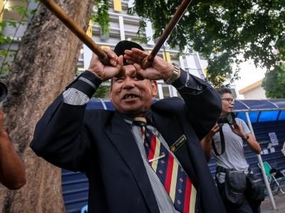 """""""巫师王""""依布拉欣马金取得警方保释。"""